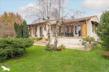 maison à Bussac-sur-Charente (17)