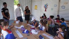 El alcalde y la concejala de Políticas Sociales de Pulpí visitan la Escuela de Verano.
