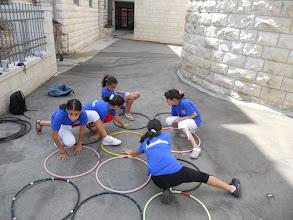 """Photo: Twister à l'activité """"Jouer"""" avec l'équipe """"Basançon, Mont d'Or"""""""