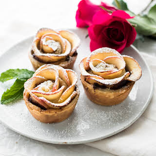 Puff Pastry Nutella Apple Roses.