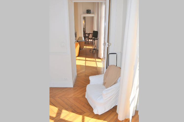 Extra space at 2 bedroom Apartment in St Germain