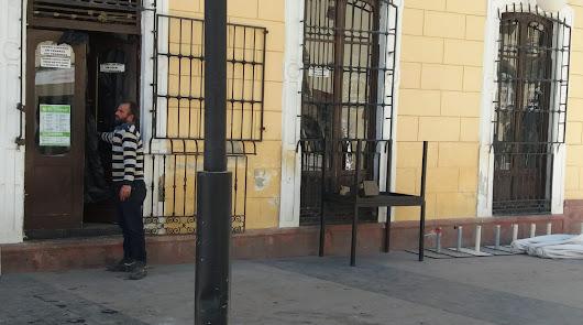 Cerrado por desahucio: este bar histórico del centro baja la persiana