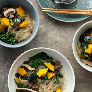 Kelp Noodle Vegetable Japchae (Paleo, Vegan).