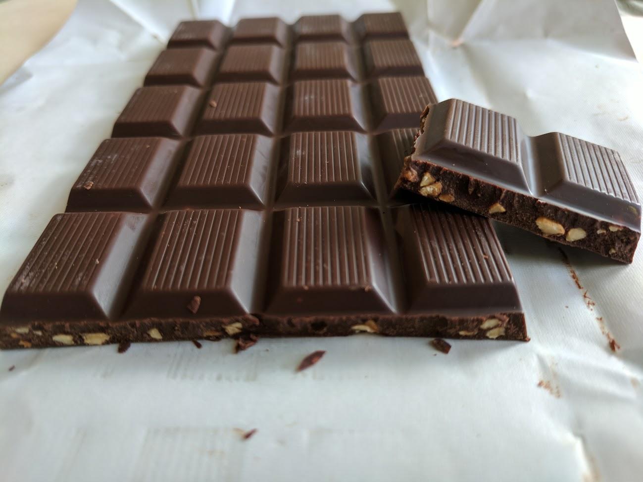 72% hazelnuts french bar open