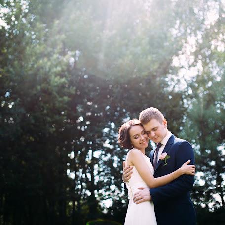 Wedding photographer Aleksandr Kirilyuk (AlexKirilyuk). Photo of 16.10.2016