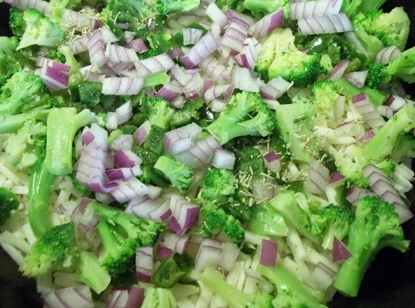 In the same skillet; add hash browns, broccoli, green pepper, onion and rosemary; cover...