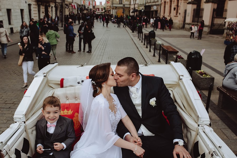 Wedding photographer Agnieszka Gofron (agnieszkagofron). Photo of 13.05.2019