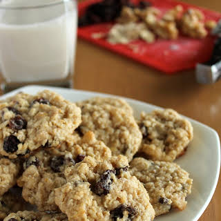 Vegan Oatmeal Raisin Cookies.