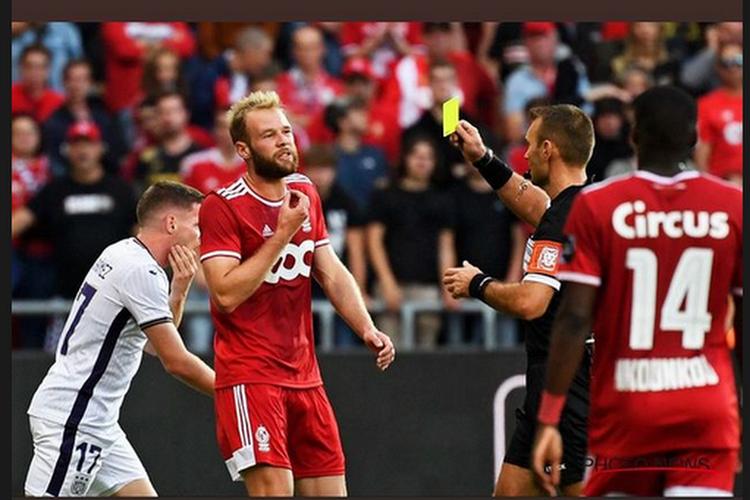 """Peter Vandenbempt benoemt het grote sportieve probleem bij Standard: """"Enkel die twee op niveau"""""""