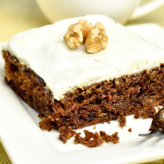 Easy Carrot Cake Tray Bake.