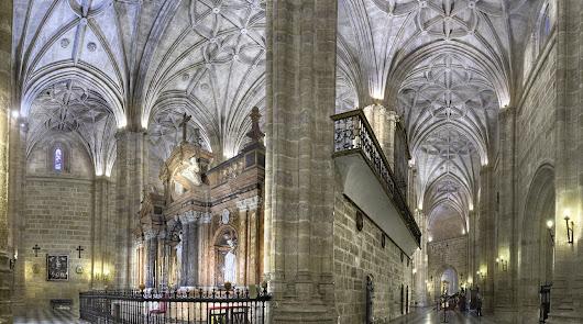 'Desde mi ventana': La Catedral de Almería, 'Mater Admirabilis'