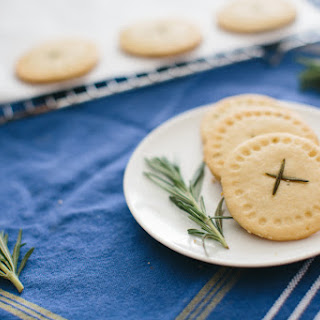 Rosemary Shortbread Rounds