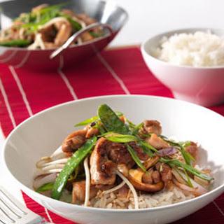 Chinese Roerbak Kip Met Peultjes, Paddenstoelen En Taugé