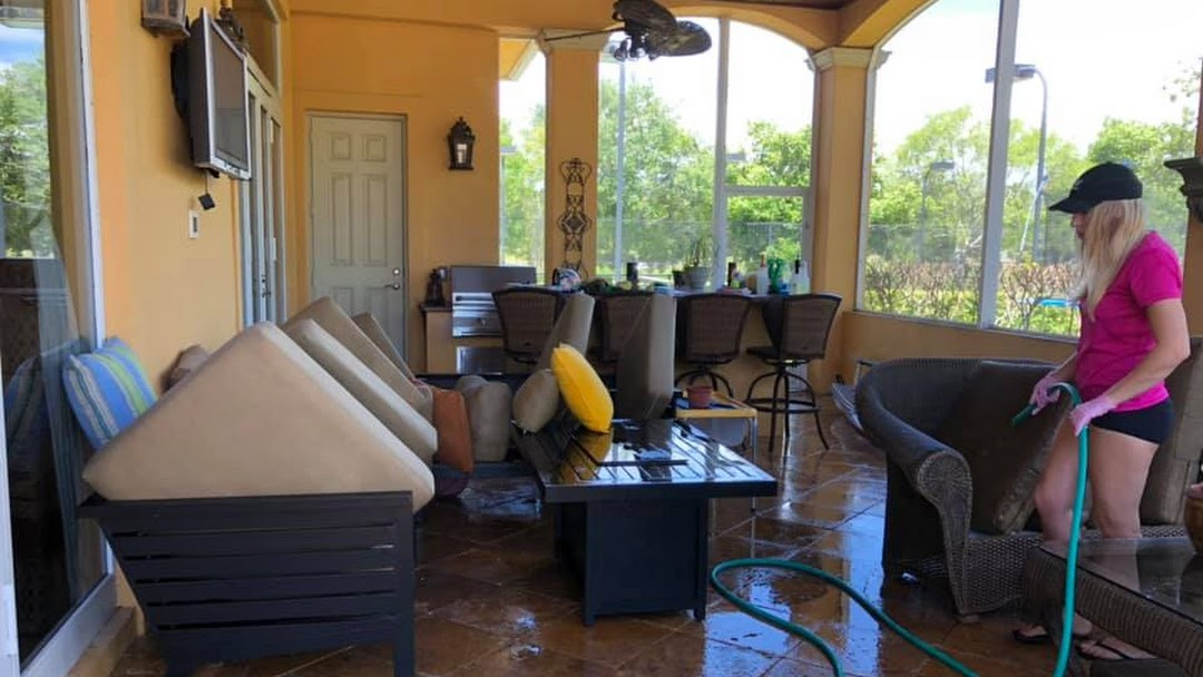 paradise cleaning patio furniture