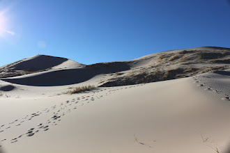 Photo: The vastness of the dunes! On the left/top you can see my friend at the top of the dunes