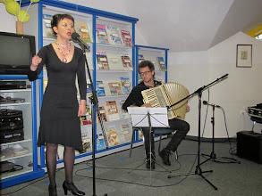 Photo: Lara Jankovič v Knjižnici Dravograd ob zaključku bralne značke za odrasle. (Foto Jerneja Ban)