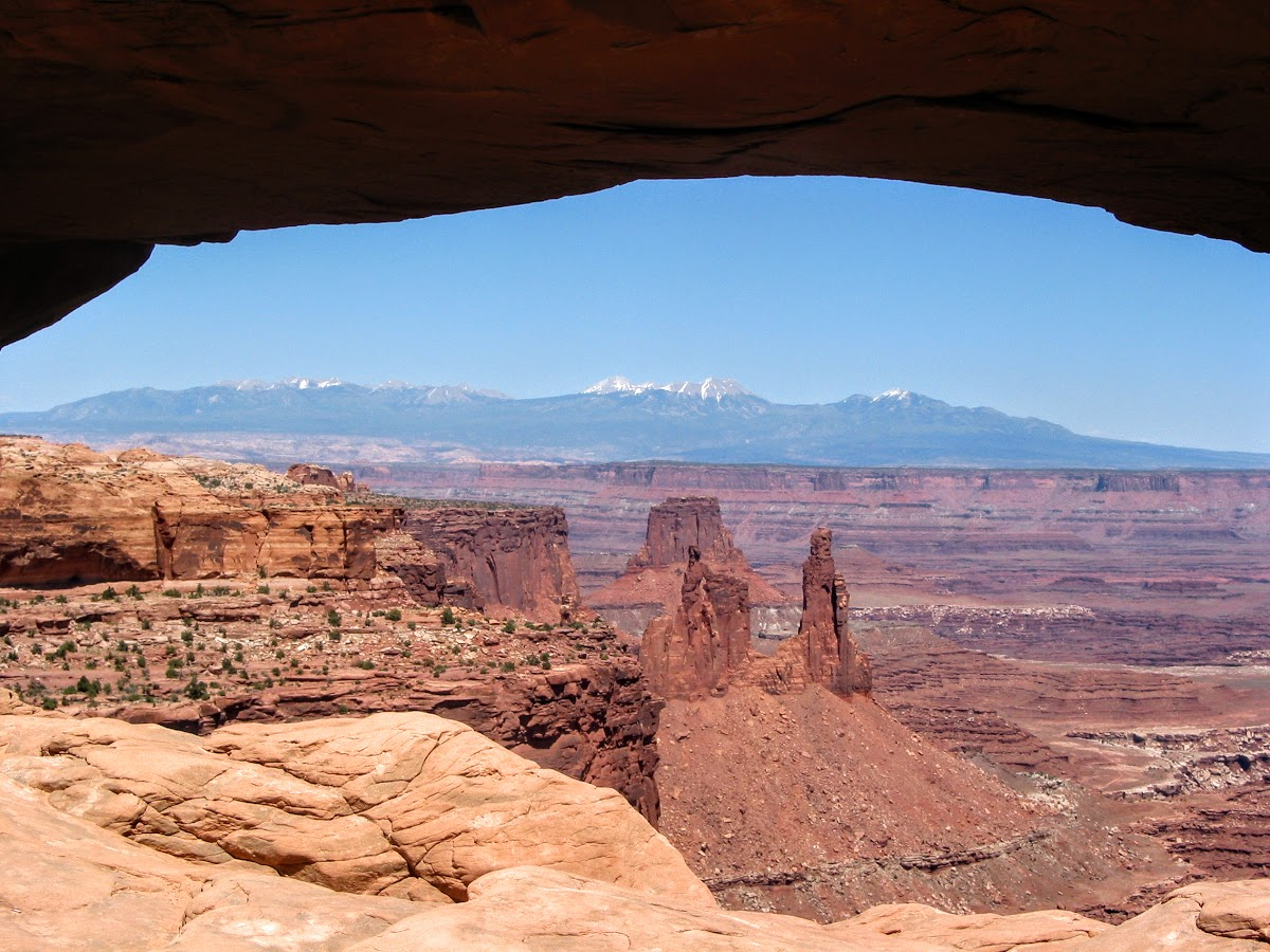 Mesa Arch and view of La Sal Mountain Range, Canyonlands NP
