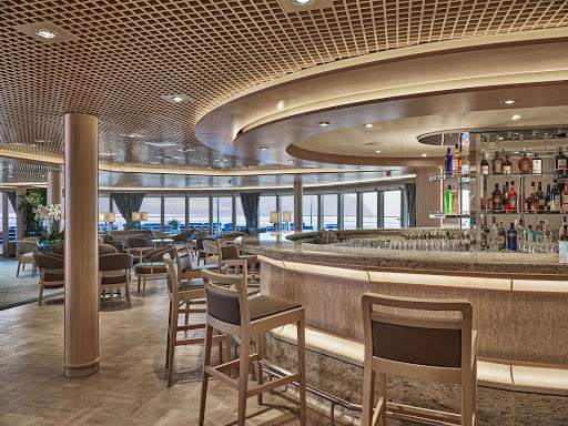 Relax and meet interesting new people at the Panorama Lounge on Silver Moon.