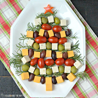 Christmas Tree Cheese Platter (Vegan)