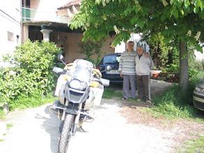 Photo: Der Morgen der großen Tour: Fabios Onkel und ein Freund, der Koch des früheren Hotels, versprechen mir ein Dorffest, wenn ich auf meinem Rückweg wieder komme!