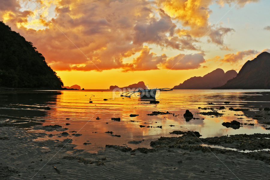 Calm & Collected  by Ehsan Norouzi - Landscapes Sunsets & Sunrises ( nature, sunset, beach, landscape, boat, philippines, island,  )