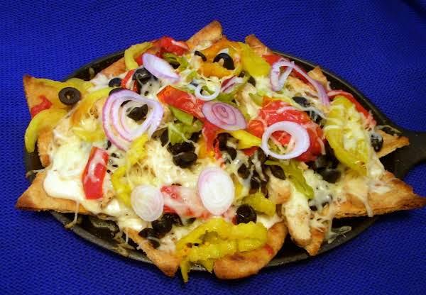 Italian Naan-chos Recipe