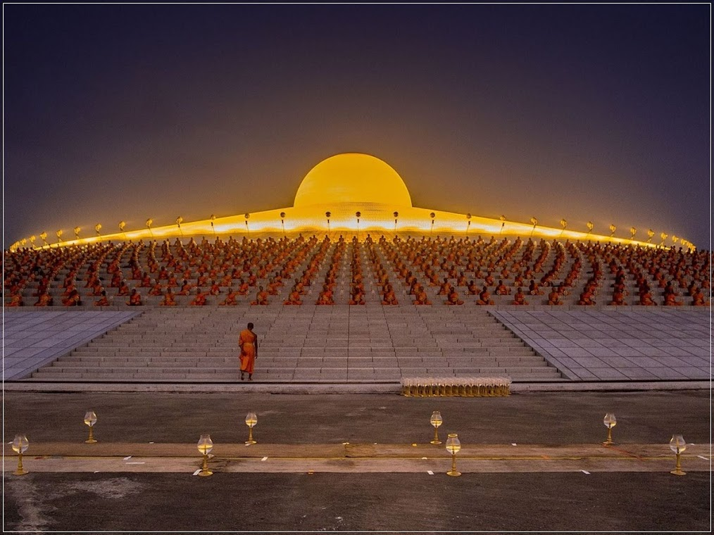 Wat Phra Dhammakaya, o impressionante templo budista da Tailândia