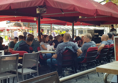 📷 Stilte voor de storm in Enschede? Geweigerde fans jennen burgemeester alvast