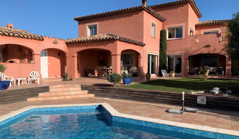 Villa avec piscine en bord de mer Saint-Hippolyte