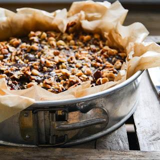Cinnamon Bun Cake W. Apples & Marzipan