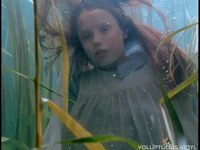 David Ash's (Aidan Quinn) sister drowns in a river in the film Haunted.
