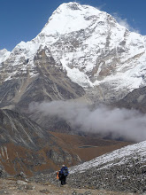 Photo: Descending into the Hunku valley and Chamlang (7319m) towers high above