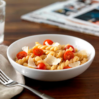 Gemelli Ready Pasta with Cherry Tomatoes & Cheese.