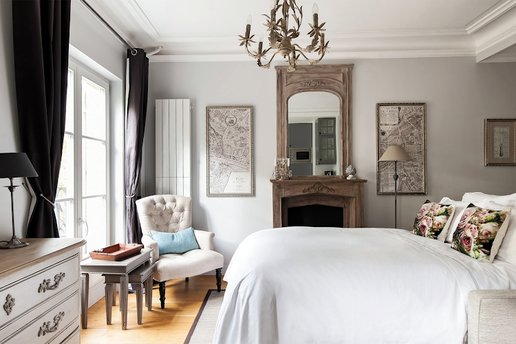 Bedroom at Champs Elysee apartment