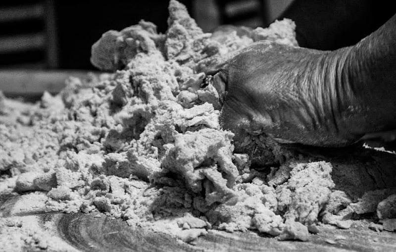 Tradizioni - Mani in Pastiera di alessandra_frankini