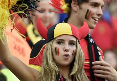 """Daar is het WK, daar is WK-babe Axelle opnieuw! """"Nu het WK-periode is, beginnen mensen mij opnieuw meer te herkennen"""""""