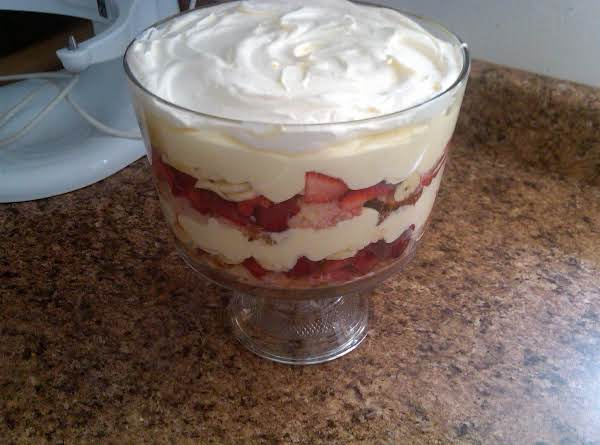 Strawberry Banana Trifle Recipe