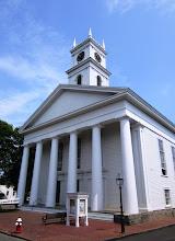 Photo: Edgartownin komea Whaling Church
