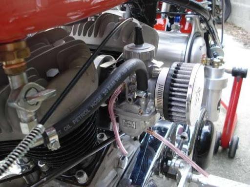 Carburateur Mikuni sur Harley Machines et Moteurs
