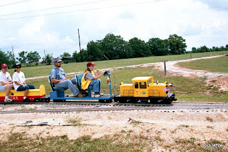 Photo: Jim and Mauri Cash   SWLS - HALS 2001-0526