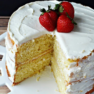 How To Make a Vanilla Cake From Scratch.