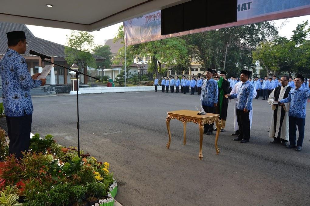 Upacara pengambilan sumpah/janji PNS Kabupaten Ngawi