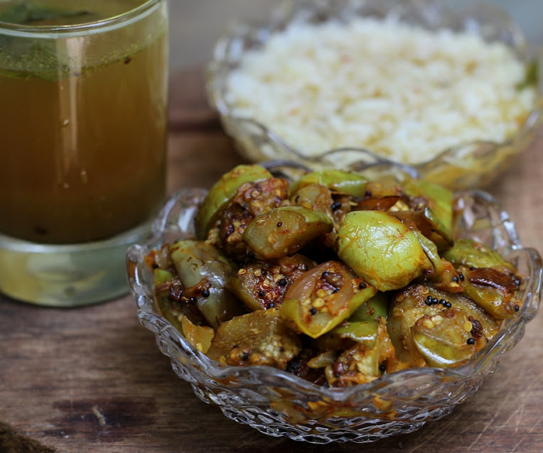 Brinjal Stir Fry with Onions Recipe | South Indian Side Dishes | Foodomania.com