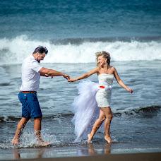 Wedding photographer Polina Polis (POLINAPOLIS). Photo of 25.07.2014