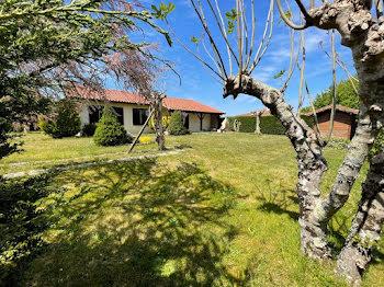 maison à Saint-Pierre-du-Mont (40)