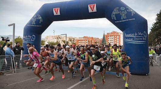 Roquetas de Mar se engalana para vivir una Media Maratón histórica