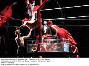 Photo: GENF: TANNHÄUSER in der Inszenierung von Olivier Py (Sept. 2005). Bericht: Dr. Klaus Billand