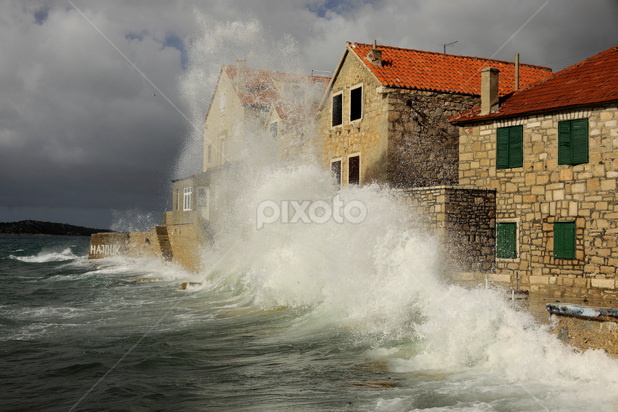 Storm.. by Zvonimir Cuvalo - News & Events Weather & Storms ( pwcstorms, croatia.., adriatic, sea storm, prvic sepurine, storm )