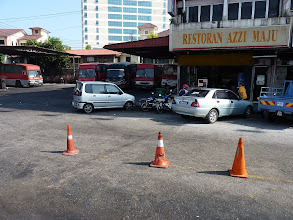 Photo: Ipoh - Roadways bus station 150m east from Medan Kidd bus station, 8.5rm to Lumut, but there should be another company for 6.5RM probably from Medan Gopeng bus station