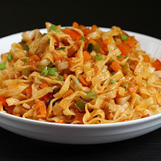 Schezwan noodles recipe | How to make spicy veg noodles.